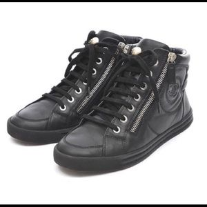 CHANEL PARADARUS Leather Sneakers